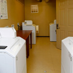 on site laundromat - Siegel Select Casa Grande, AZ low cost extended stay hotel suites & apartment rentals